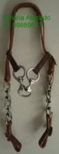 Cabeçada com argolas e balancinho em aço inox, fivelas de ferradura.