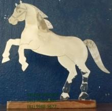 Cavalo (Em aço inox).