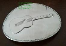 Fivela Para Cinto (Em aço inox, Violão),com 9,0 por 12,5 cm.