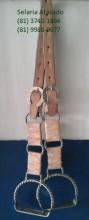 Loro Muladeiro, com estribo torcido em aço inox, sapata em aço inox.